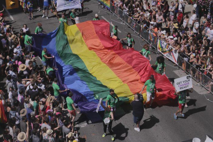 """L'Italia (del Nord) omofoba """"Ai gay niente patrocinio"""""""