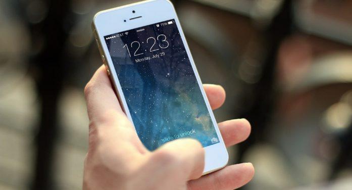 Il coronavirus fa crollare il mercato degli smartphone